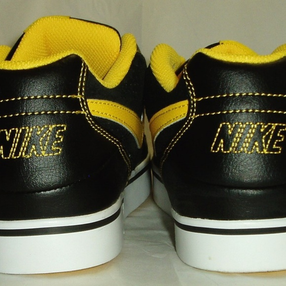 39ee374906bd Youth Boys Nike Shoes Black Yellow
